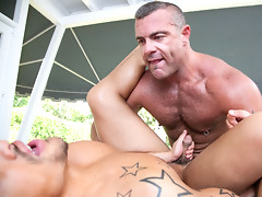 Tattooed hot dude get fucking after massage