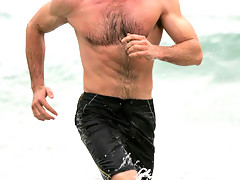Hugh Jackman looking hot and sexy in his ripped abs and torso